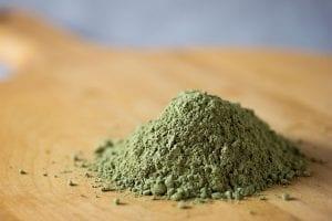 green tea powder containing l-theanine